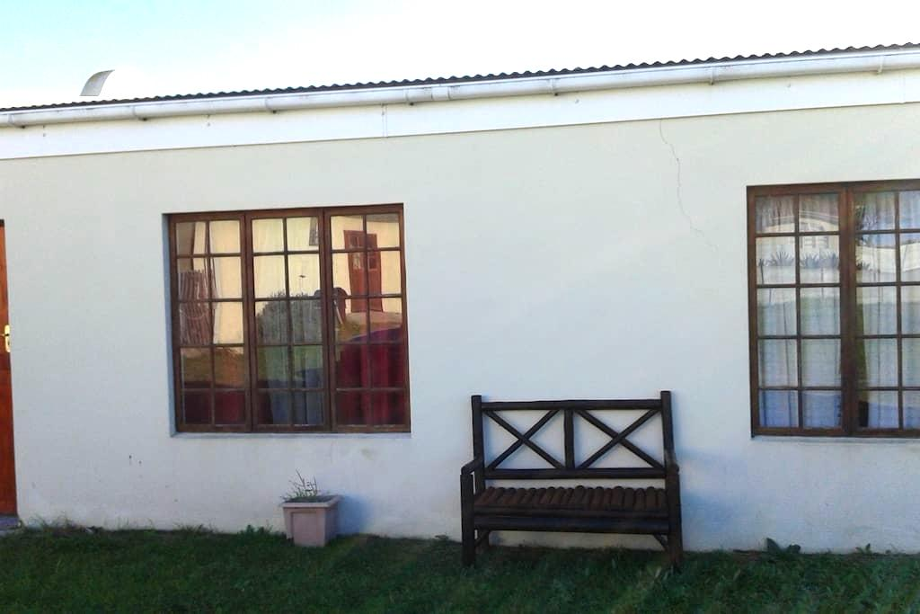 Lekker Rus Holiday Cottage - Gansbaai - Apartamento