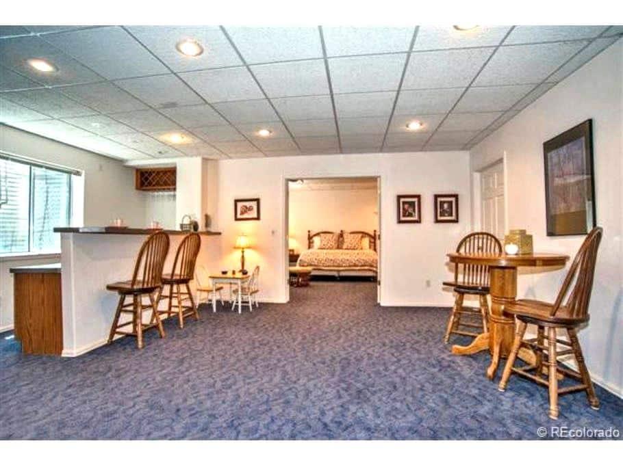 Basement room in convenient location - Lone Tree - Hus