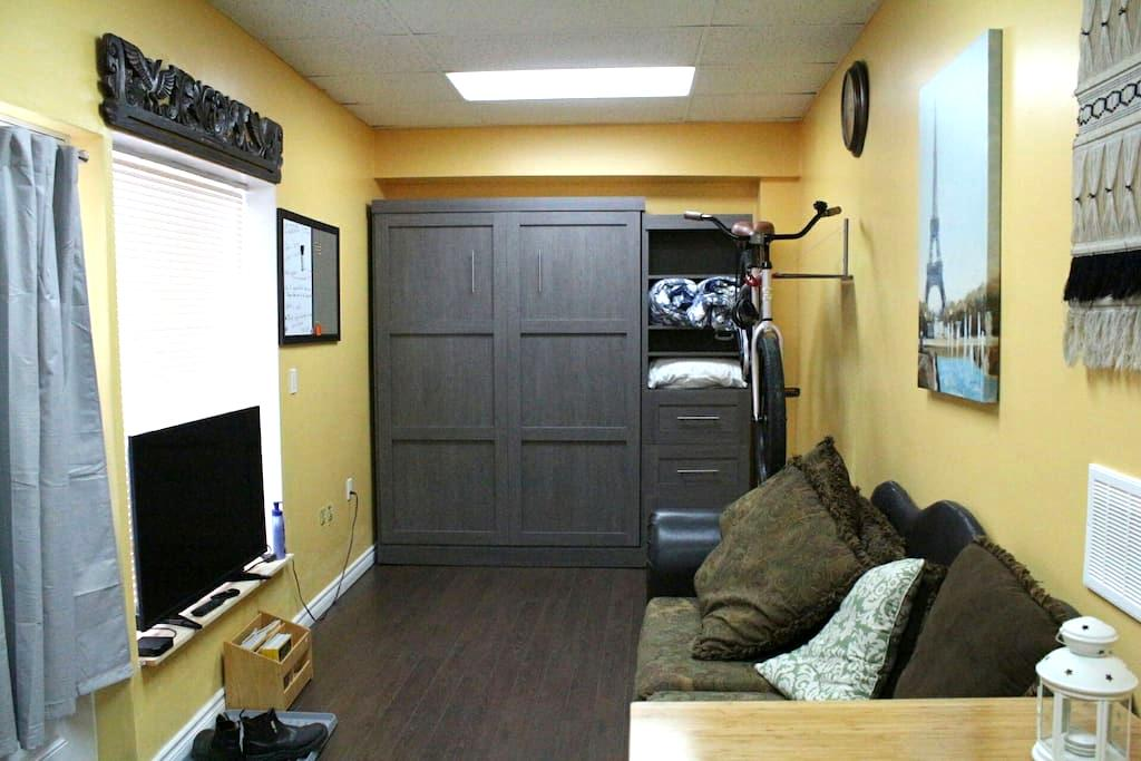Unique Studio in Walkerville - Windsor - Wohnung