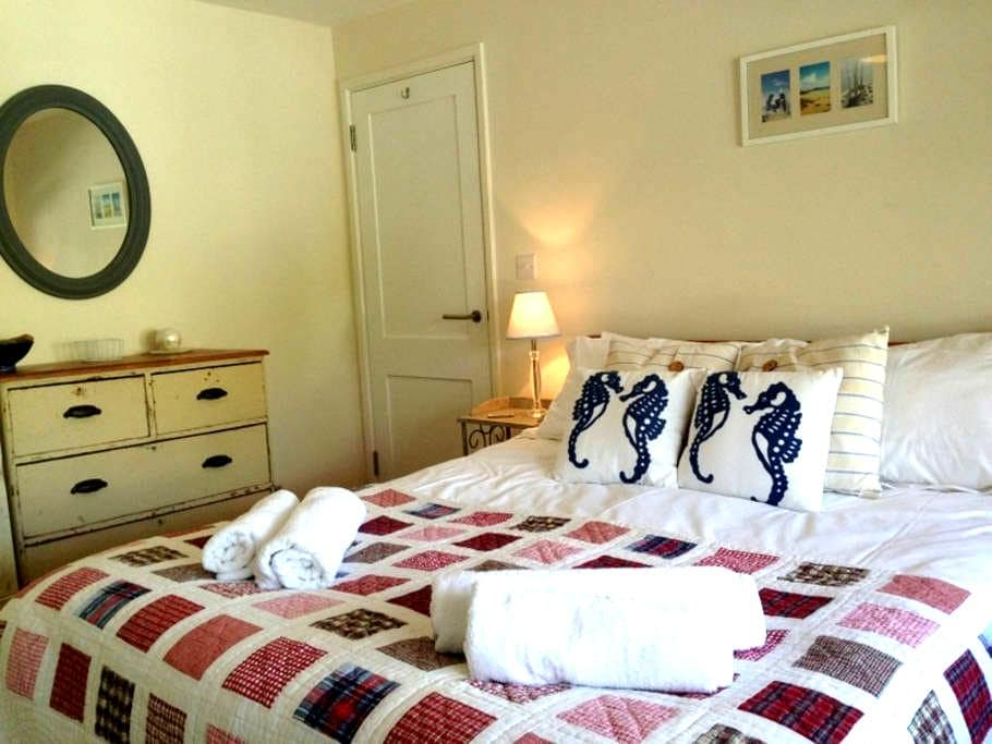 Luxury Annexe 300 metres from beach - Croyde