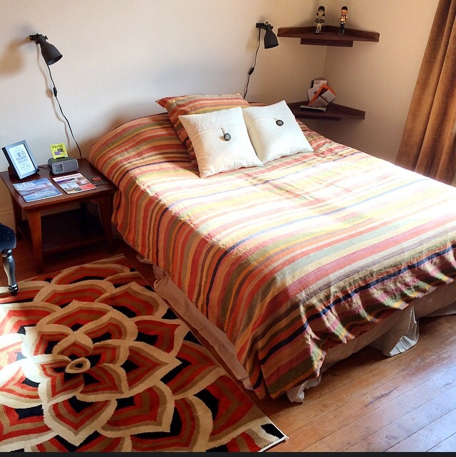 """Newly updated private room with extremely comfy top brand queen bed, 32"""" TV with DirecTV including HBO, small refrigerator, cute closet, free in-room WIFI, maps and guides, restaurant menus, and iHome station. Pillows and linen are provided."""