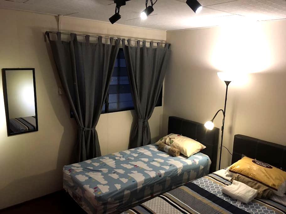Twin sharing bedroom @ Melakahouse - Melaka - Casa