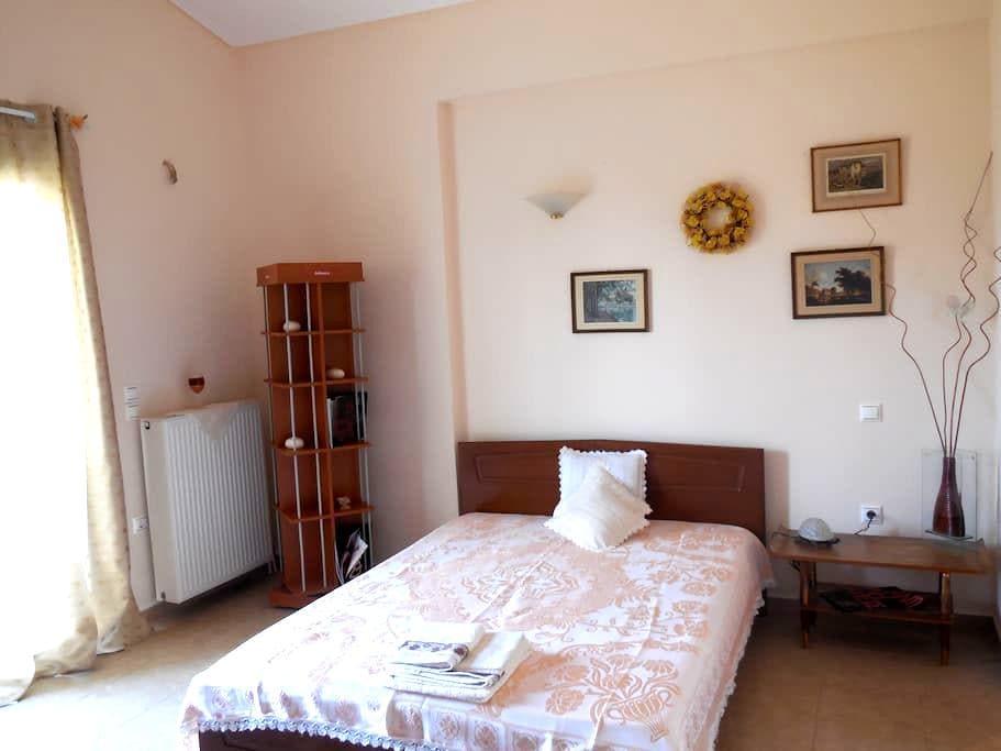 Private Bedroom in Villa in Attica Park - Markopoulo Mesogeas