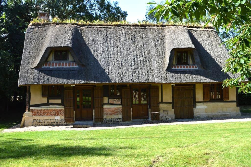 La chaumière de Brotonne - Sainte-Croix-sur-Aizier - Дом