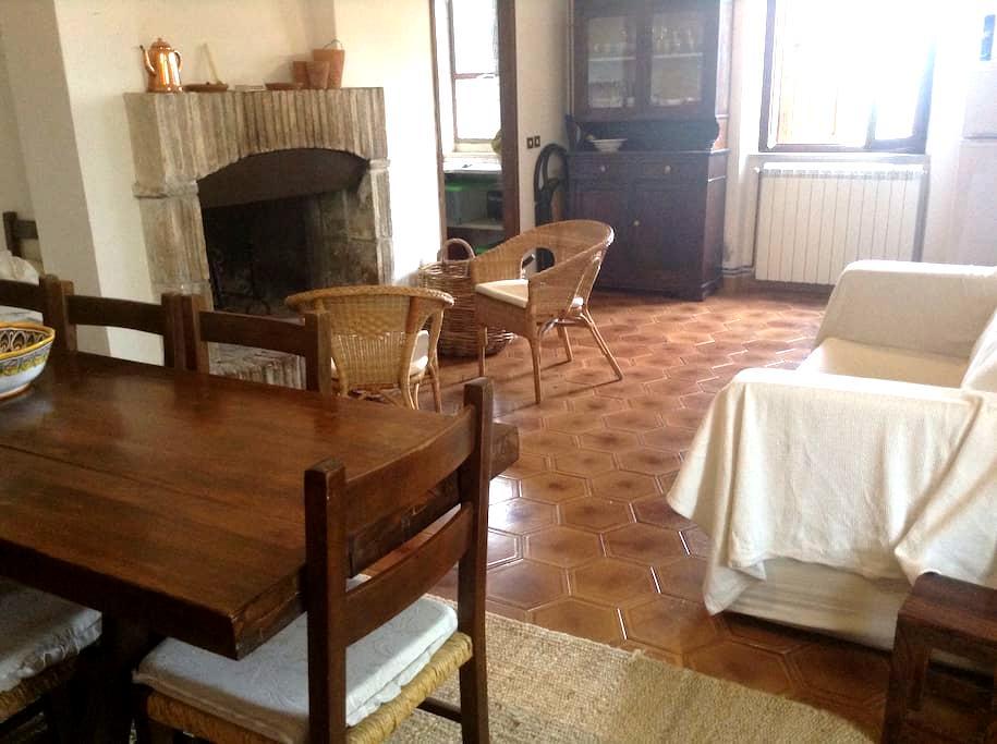 Spoleto casa a schiera nel bosco - Spoleto - Dům