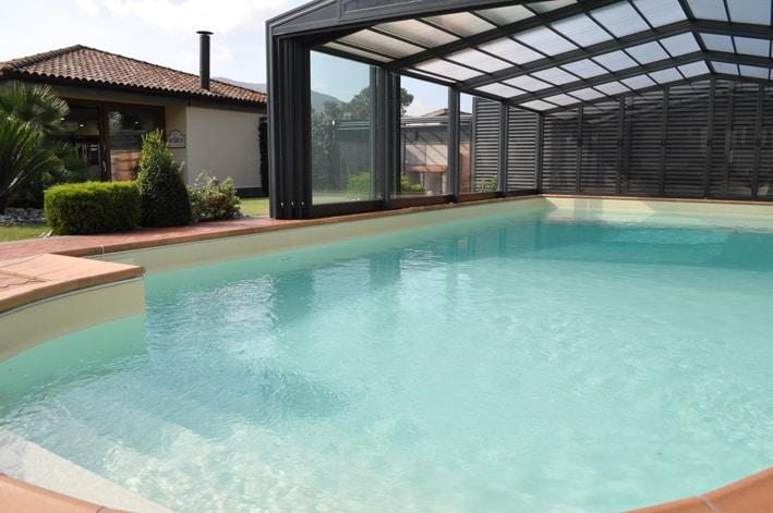 Villa with garden & swimming pool
