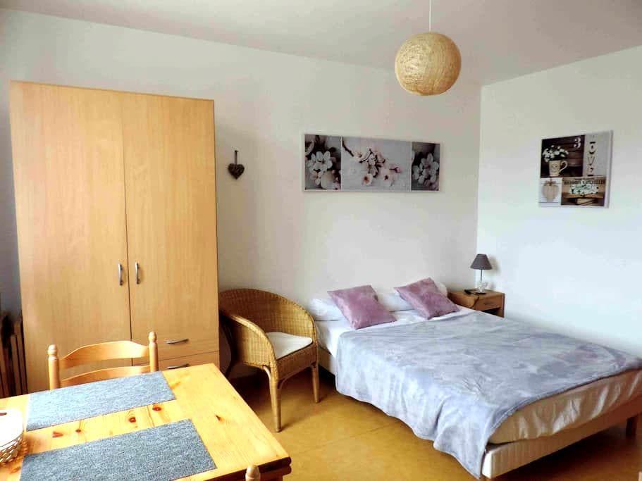studio dans résidence - Bagnoles-de-l'Orne - Apartament