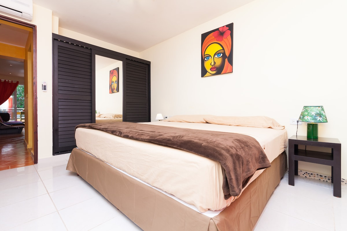 King size bedroom full size apartment