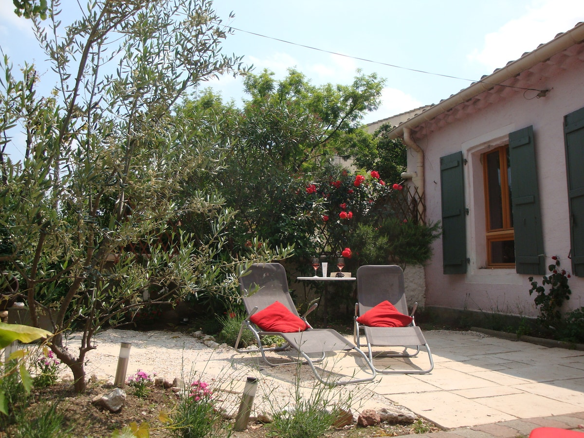 Wineworkers Cottage with garden