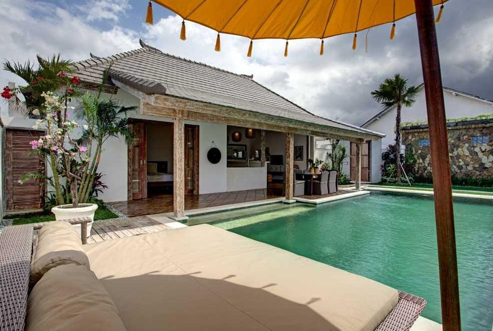 huge sunlounger beautiful swimming pool