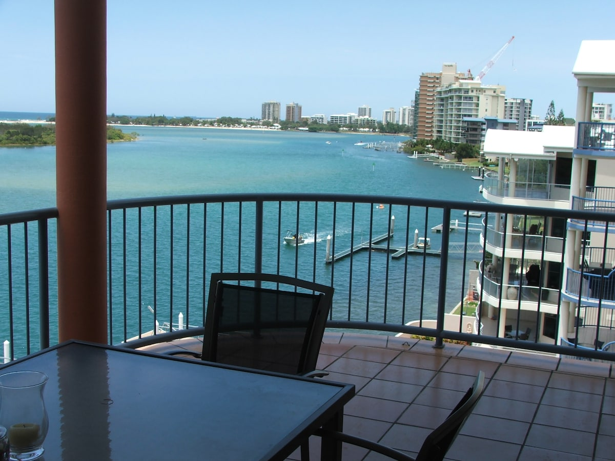 3 bedroom waterfront penthouse