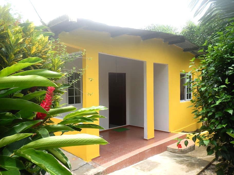 Casa Manu  - Puerto Lindo