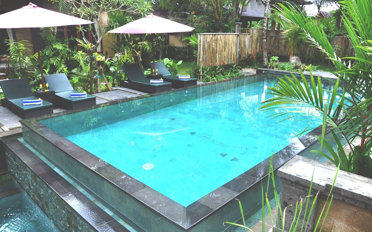 Cozy 4BR Balinese Cottage