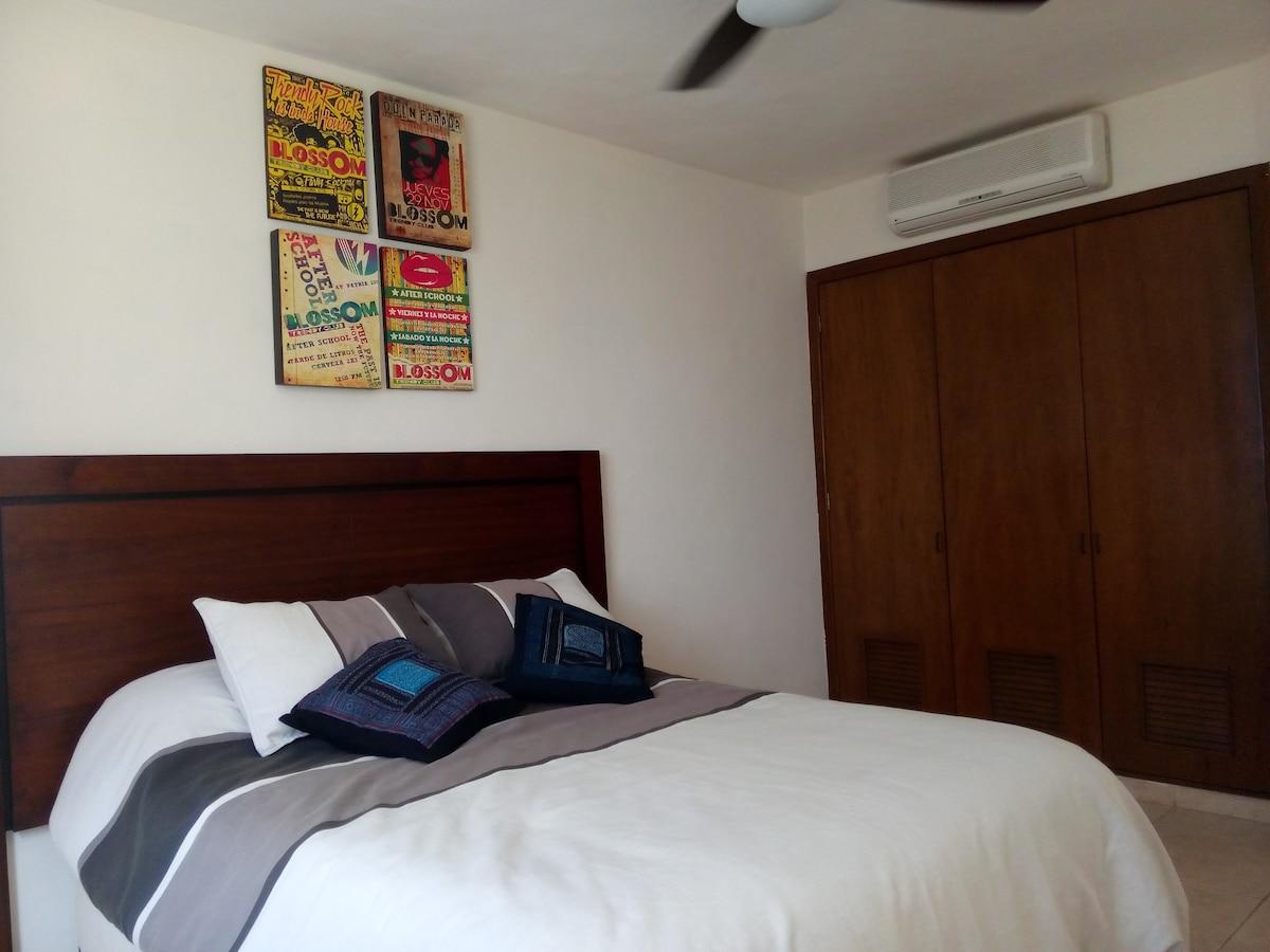Downtown/Cozy Bedroom