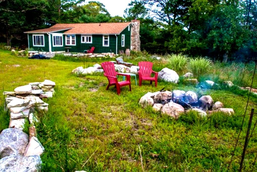 Clean, Serene room in 2BD Home - Pine Bush - Rumah