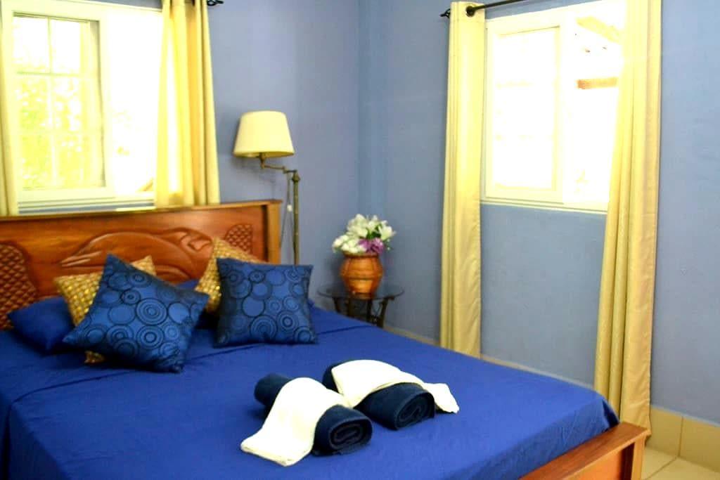 Atlantis Room in the Lodge - Puerto Lindo