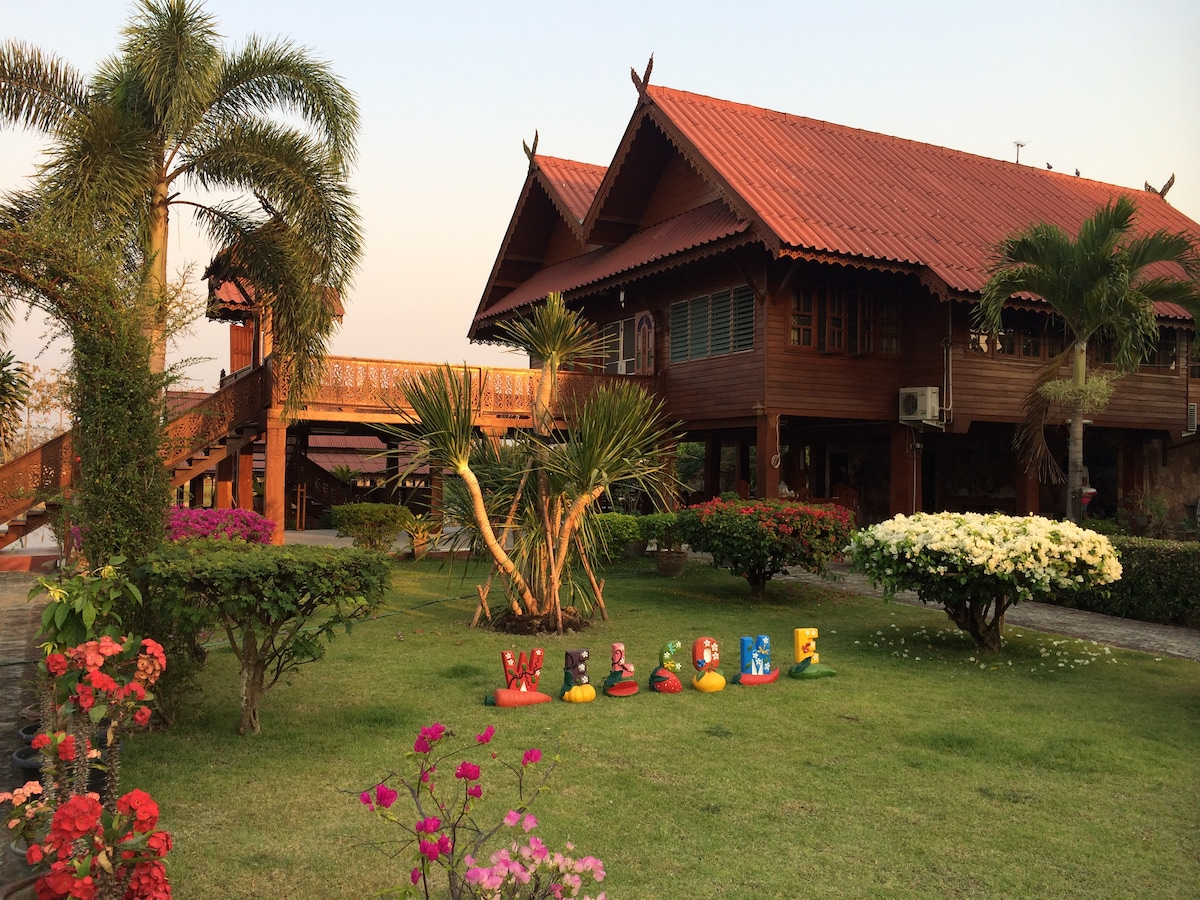 Amazing classic Lanna Thai house - perfect for bonding with nature.