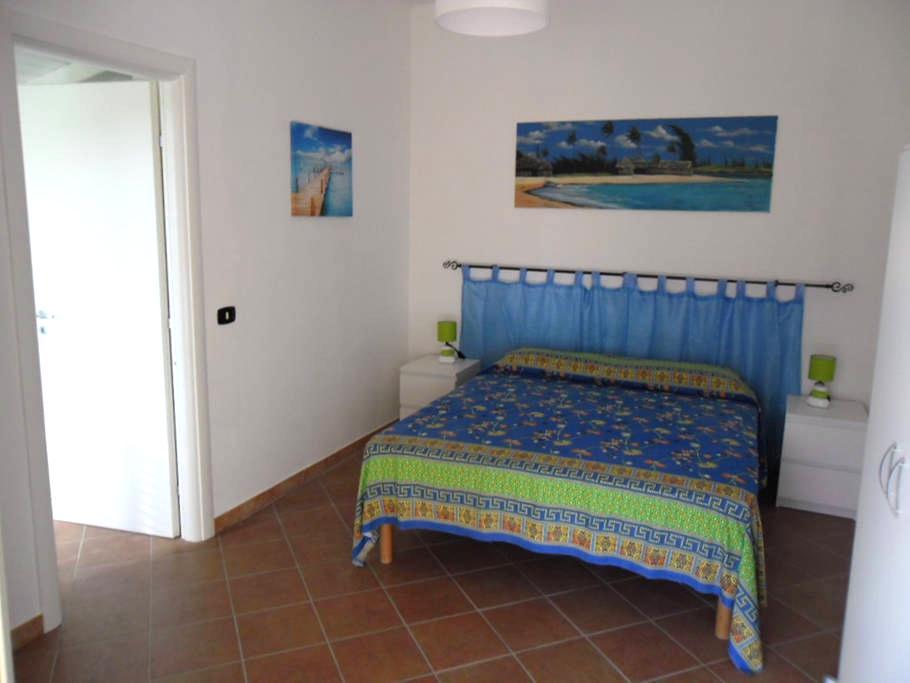 Appartamentino con veranda e giardino - Tropea