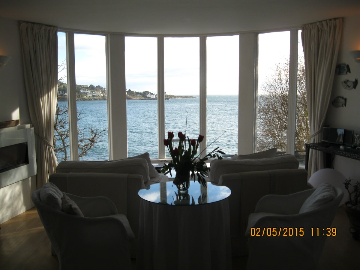 Gorgeous waterfront suite