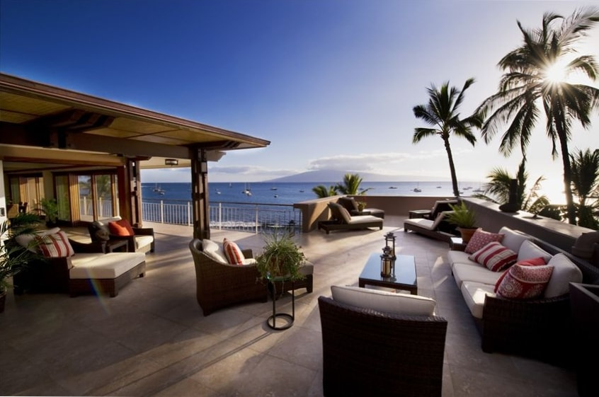 Luxury Oceanfront Rooftop Penthouse