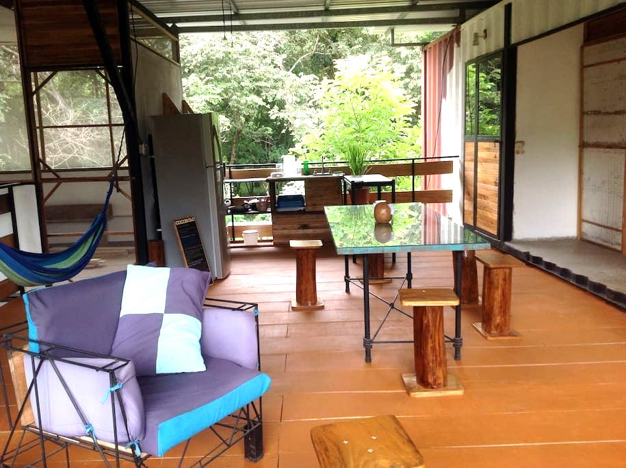 Cocobolo Shipping container rooms P - Playa Grande