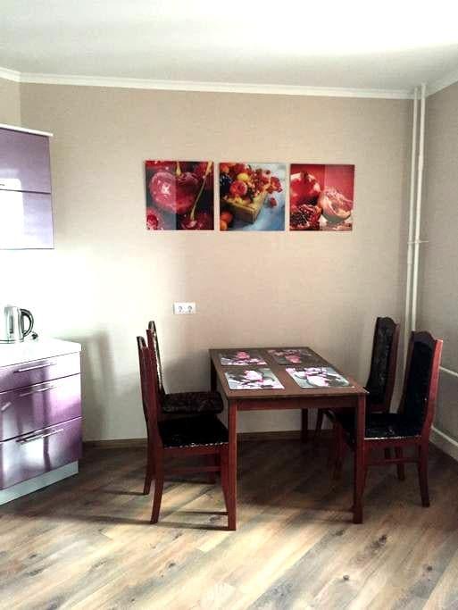 Уютная квартира 40м2 - Murino - Apartament