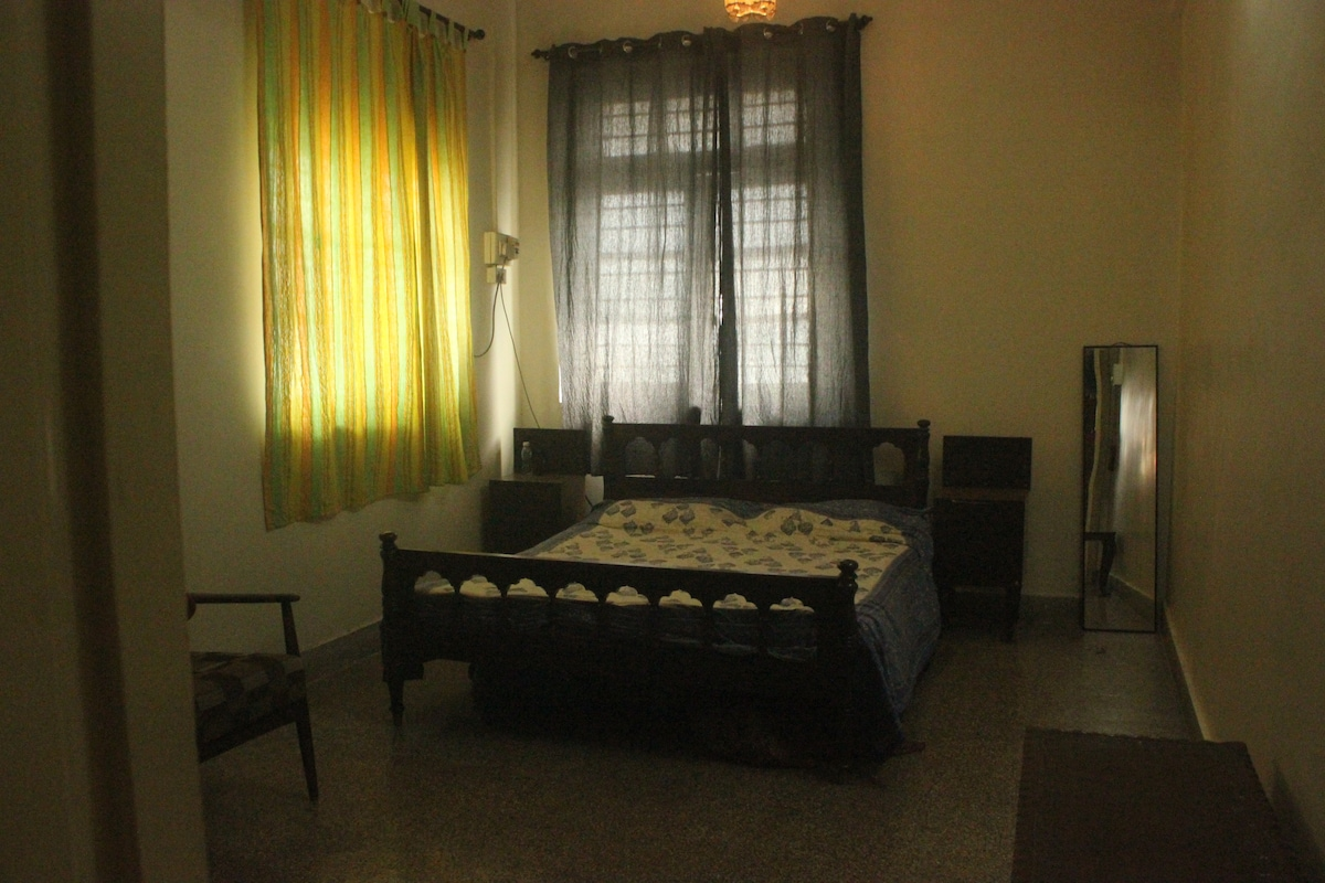 1 private room available in a 1BHK