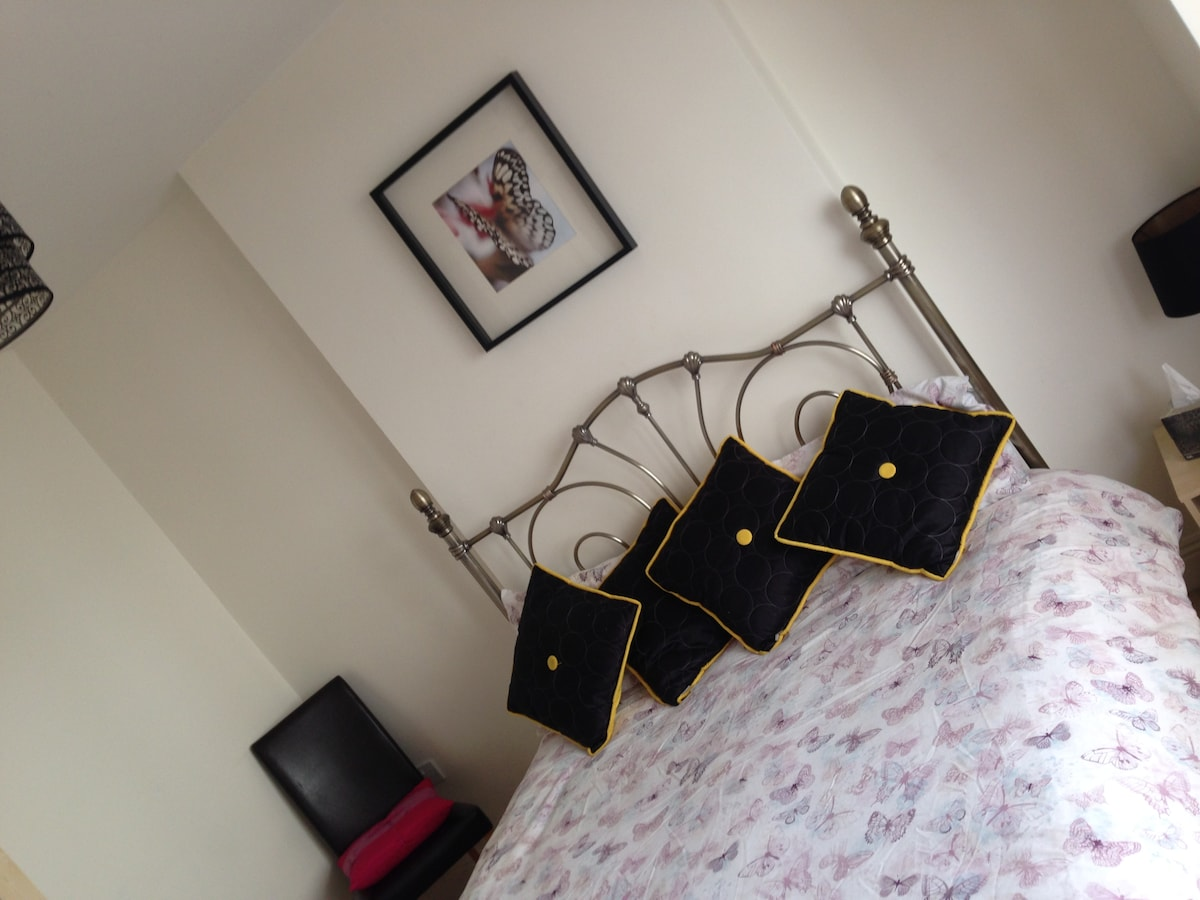 Amazing Seafront Suite Kingsize Bed