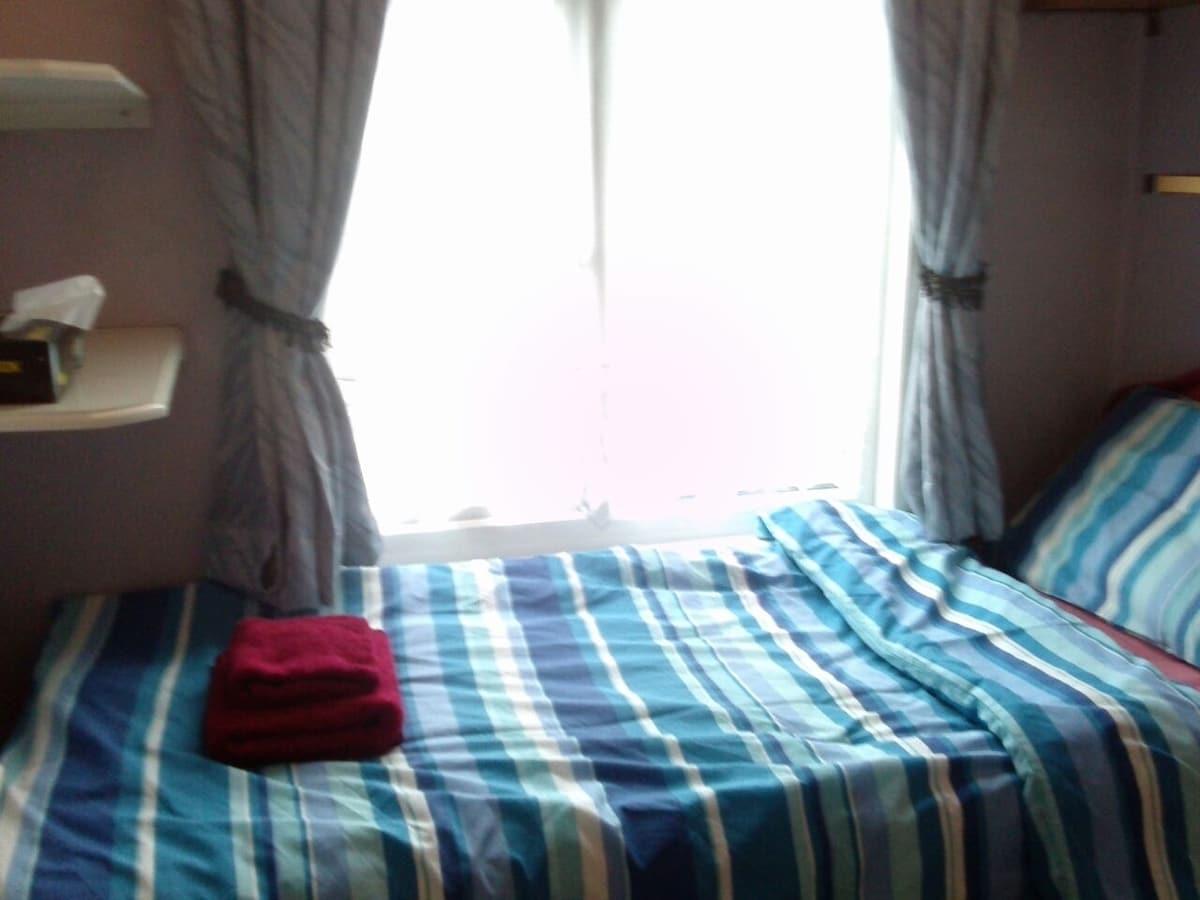 Beautiful Private Single Room& wifi