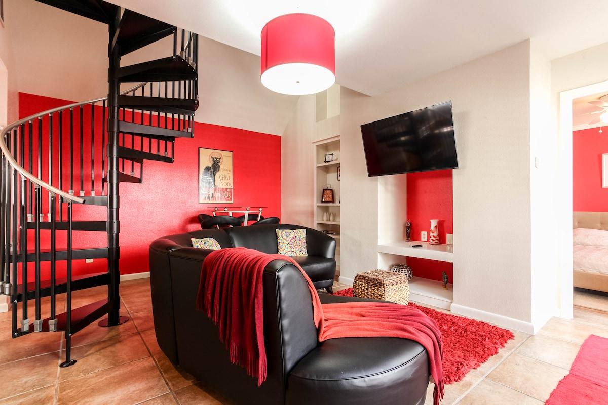 Living Room - Bright Open Floor Plan/ Flat screen TV
