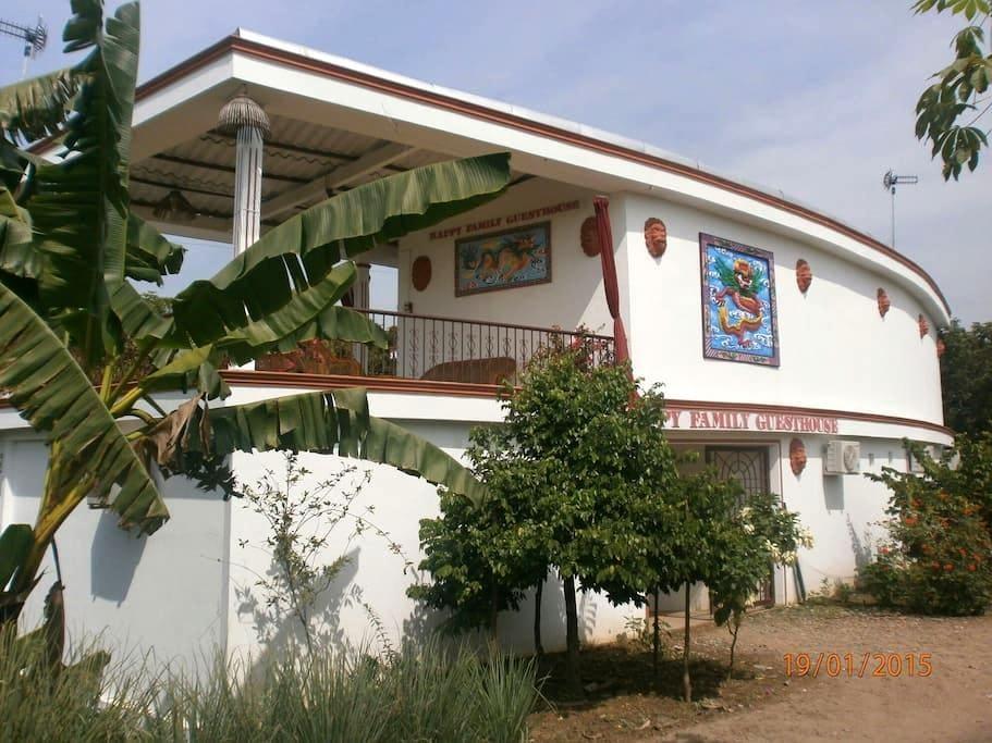 Mekong Delta Swimming  pool  - Vinh Long - Bed & Breakfast