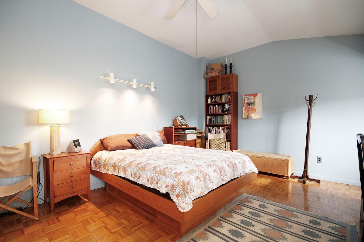 Private Room & Bath
