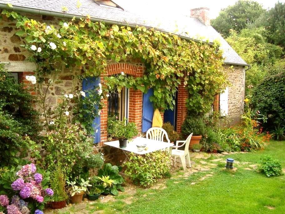 Lovely independant stone-house - Tréméven - Haus