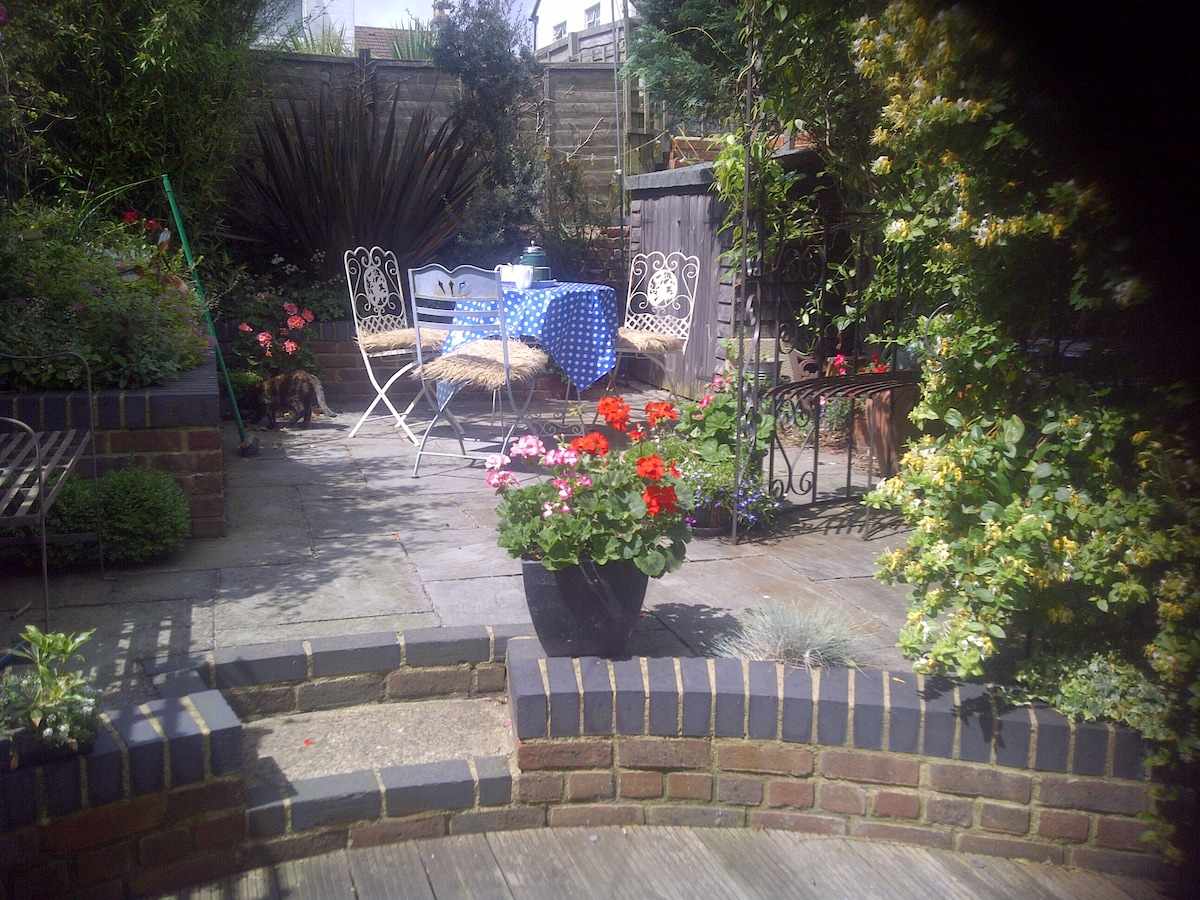 Homely Place to stay in Hove !