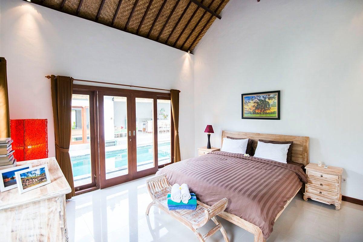 Private Room& pool share Seminyak