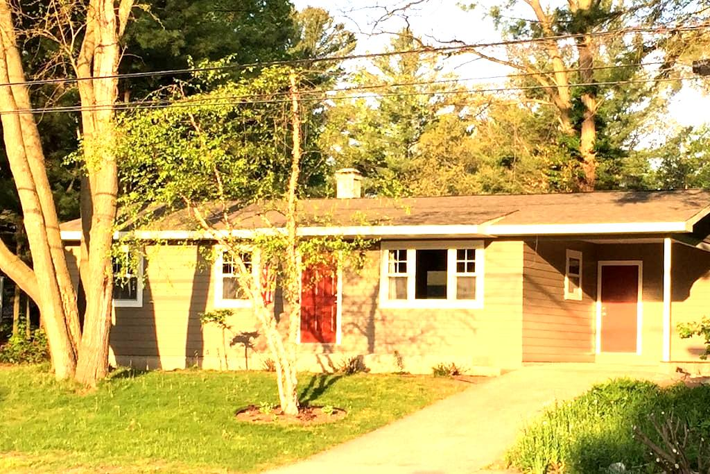 Just like NEW - Pentwater Clymer Cottage - Pentwater - Cabaña