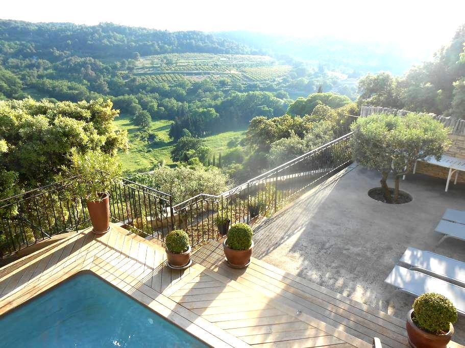 Mas en Provence vue exceptionnelle! - La Roque-sur-Pernes