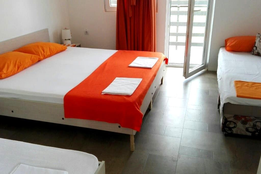 Apartments Villa Naumovi (Orange) - Star Dojran