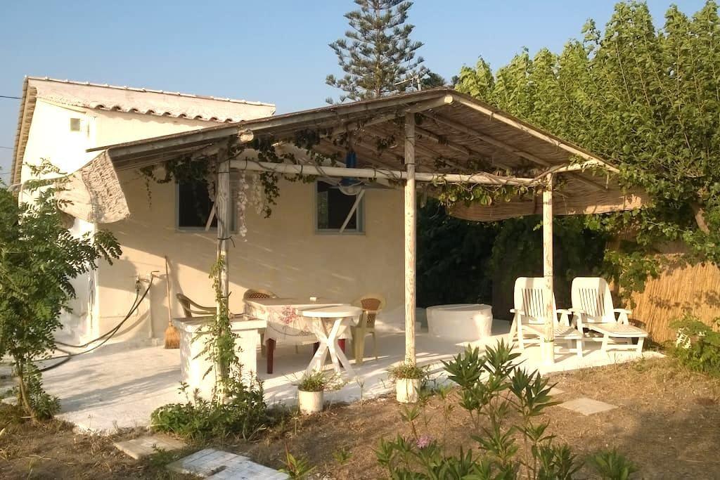 Τraditional Beach House - Λέτρινα  - House