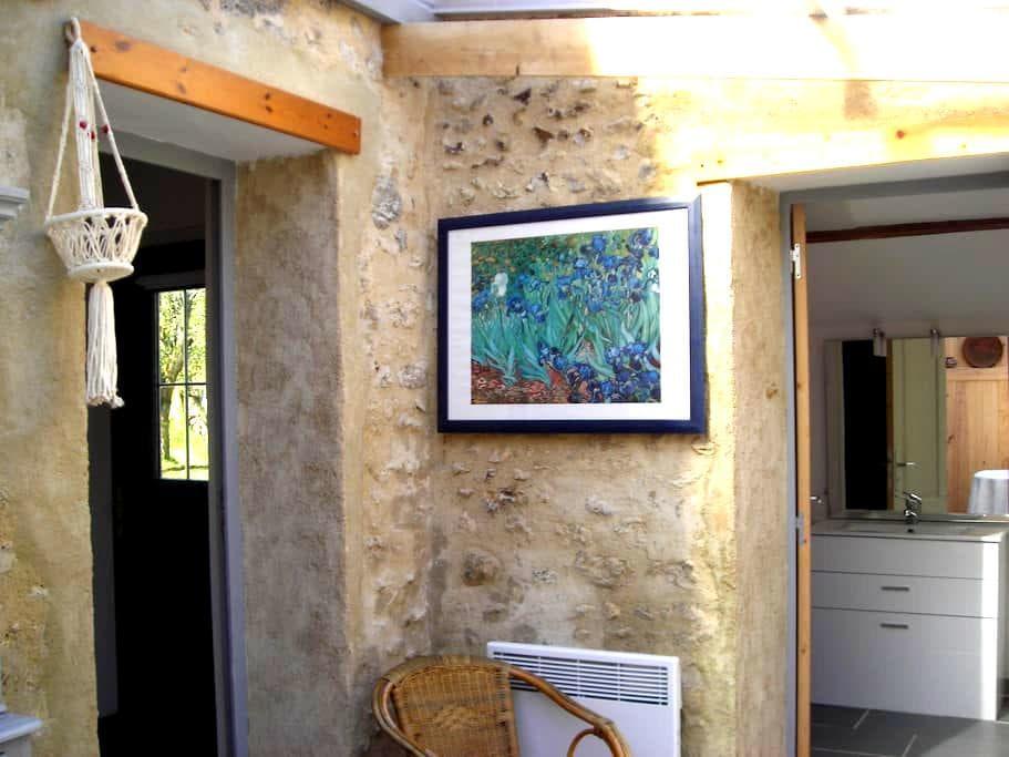 maisonnette lumineuse sous verrière - Chaintreaux - Casa