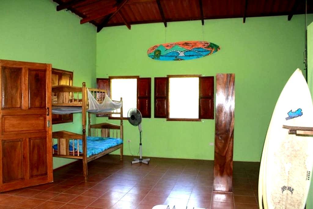 Country Home Near the Beach - Aserradores - Casa