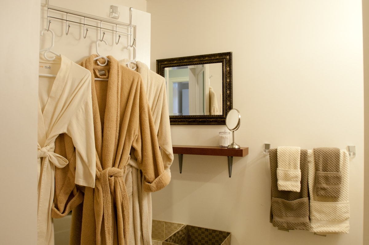Organic cotton bath robes; kids' sizes, too!