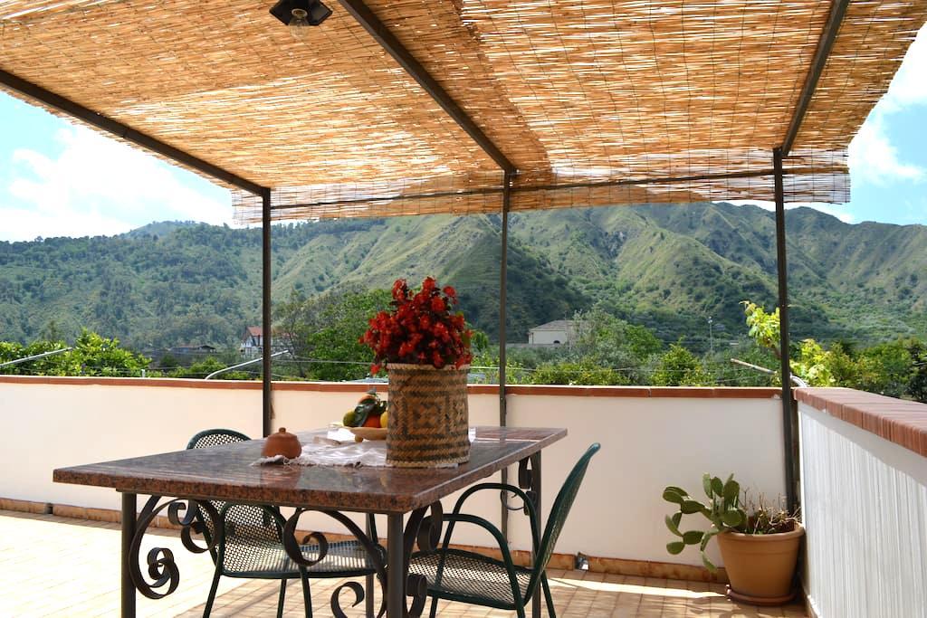 Casa vacanze Don Carmelo - Motta Camastra - Dům