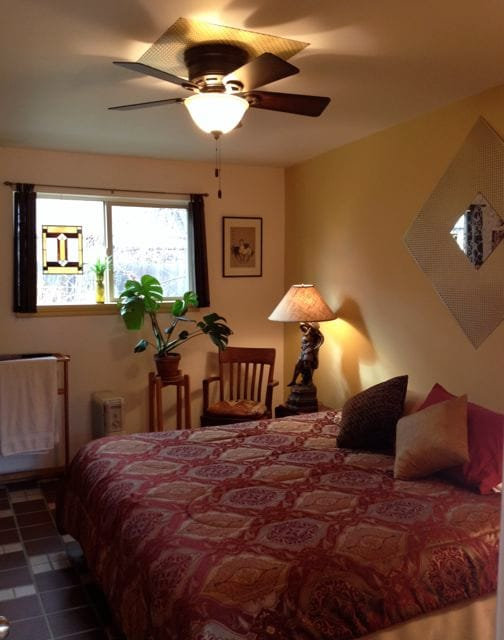 Horsethief Room in TheLaunchPad B&B