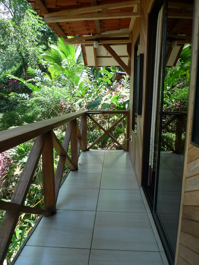 Balcón con vista a los jardines.