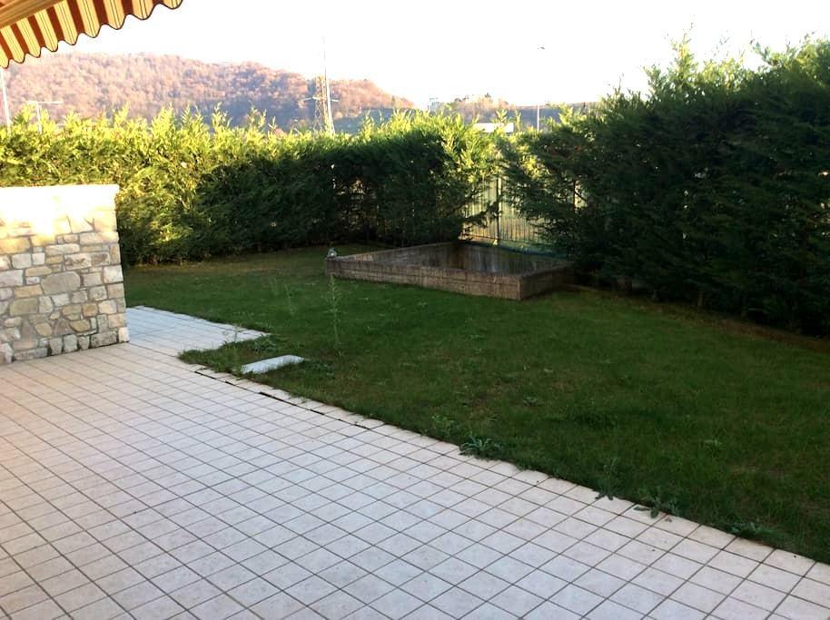 Ai piedi delle colline. - Bergamo - Appartement