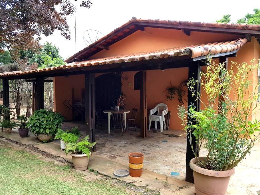 Chácara com piscina 80 km de SP - Porto Feliz