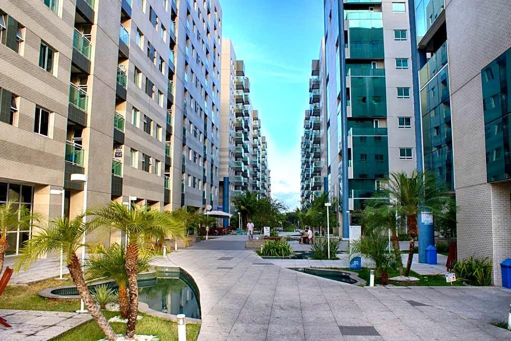 Beira mar, quarto/sala mobiliado com varanda - Maceió - 公寓