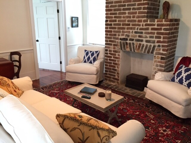 Downtown, Newly Renovated 118B