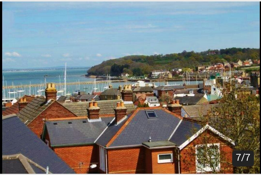 Large room, in beautiful Cowes
